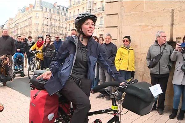 Cette Dijonnaise est partie depuis la place Darcy, à Dijon, devant 350 personnes