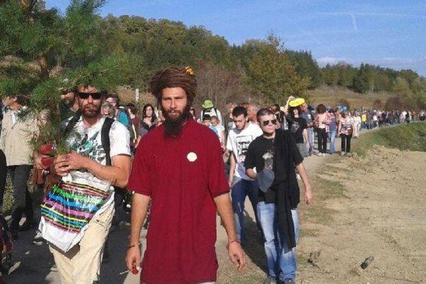 Environ 300 marcheurs sur le site de Sivens une semaine après la mort de Rémi Fraisse