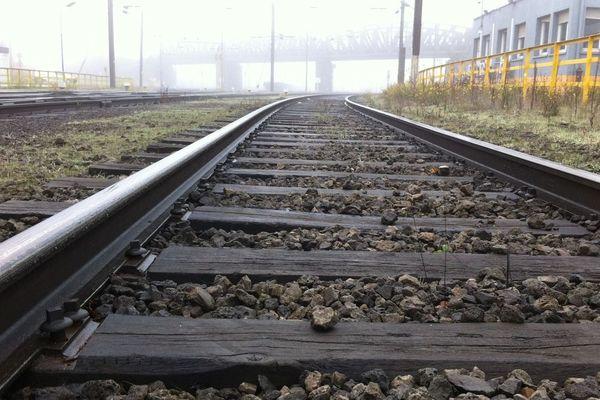 Vue des rails à la gare d'Ebange
