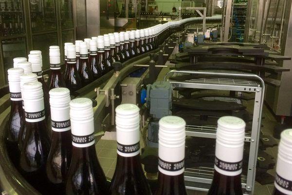 Les bouteilles de Beaujolais nouveau ne seront pas débouchées avant le 19 novembre.