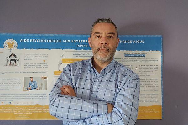 Jean-Luc Douillard, psychologue clinicien, co-fondateur de l'APESA