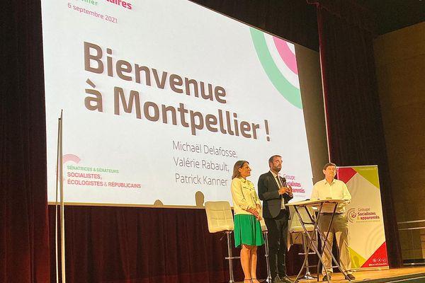 Michaël Delafosse (au centre), président de la métropole montpelliéraine, accueille Valérie Rabault, cheffe de file des députés socialistes et Patrick Kanner, président du groupe socialiste au sénat, pour les journées parlementaires du parti à Montpellier.