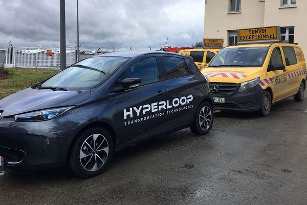 La capsule d'Hyperloop est partie du sud de l'Espagne en convoi exceptionnel. Il lui a fallu parcourir 1500 km en trois jours pour arriver sur le site d'essai à Toulouse-Francazal.