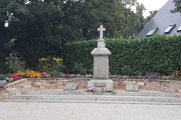Le monuments aux morts de Penguerec