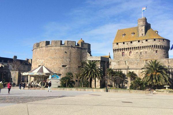 L'hôtel de ville de Saint-Malo abrité au château