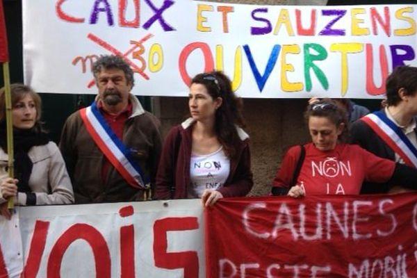 La manifestation des parents d'élèves devant la préfecture de l'Aude