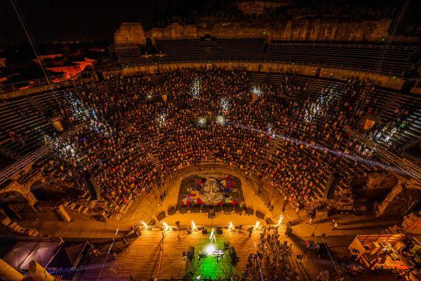 Pour la troisième année, le Positiv Festival a lieu dans le mythique Théâtre Antique d'Orange.