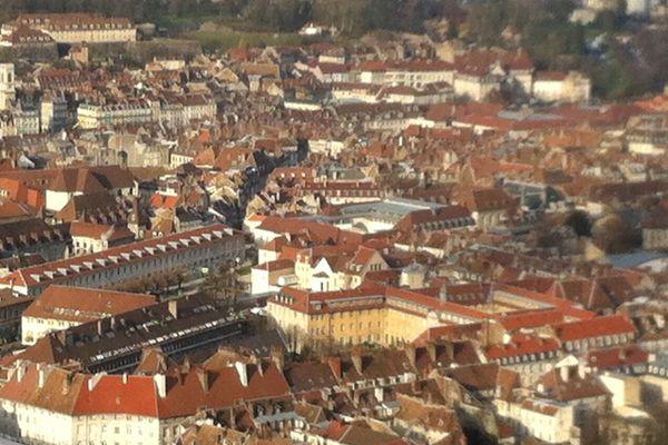 Le centre ville de Besançon vu de la colline de Chaudanne