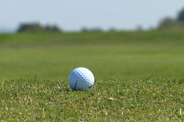 Les golfs nordistes, qui accueillent habituellement une clientèle internationale, préparent une reprise de l'activité tout en douceur.