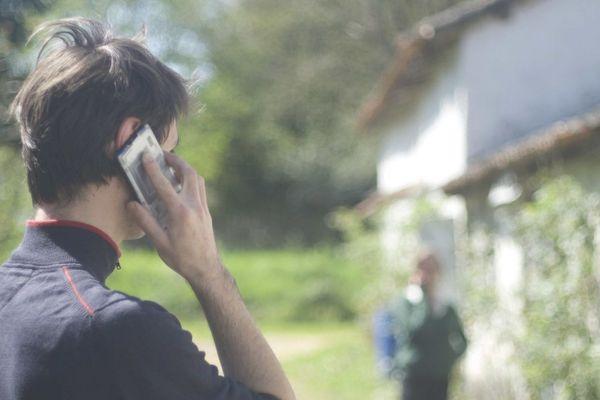 Des cellules d'aide au téléphone à disposition si besoin
