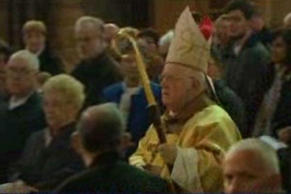 Monseigneur Raffin célèbre la messe à la cathédrale