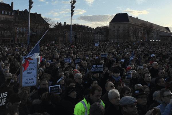 #JesuisCharlie sur la Place de la République à Metz