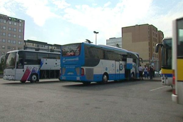 Le parking de la gare routière de Lyon Part-Dieu n'est pas saturé par les autocars, mais cela pourrait ne pas durer!