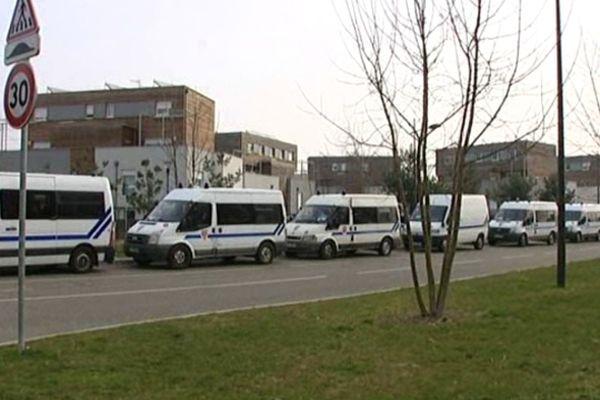 Deux compagnies de CRS et des policiers affectés à la sécurité publique ont été mobilisés mercredi matin dans le quartier du Neuhof