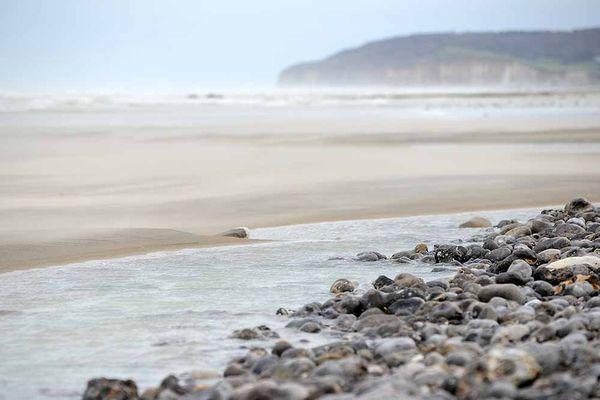 Des côtes normandes à l'Angleterre : l'ultime espoir pour de nombreux migrants.