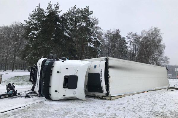 Une personne légèrement blessée dans cet accident sur une aire d'autoroute de l'a36.