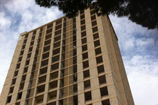 La tour H sera détruite entre 10 h 30 et 11 h 00 le 14 avril.
