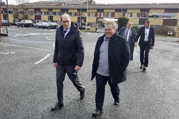 Alain Martineau, patron de GMD et Jean-Baptiste Moreau, député LREM de la Creuse, le 5 décembre 2017 sur le site LS Indutrie (ex GM&S) à La Souterraine