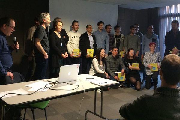 "La team ""Dataskippers"" et le jury"