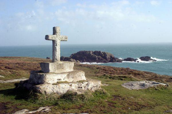 La Croix de Saint-Pol - Ile d'Ouessant (Finistère)