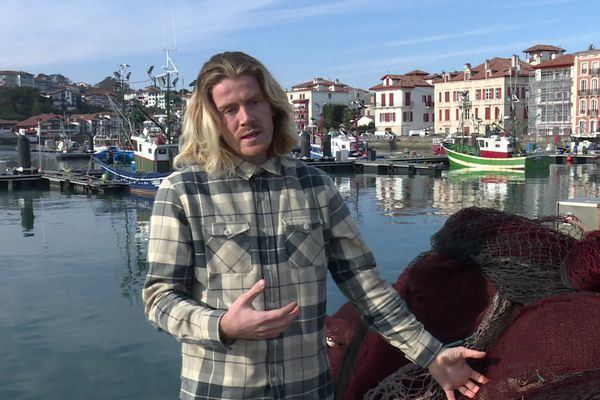 Clément Maulavé (Hopaal) recycle des filets de pêche pour confectionner des T-shirts
