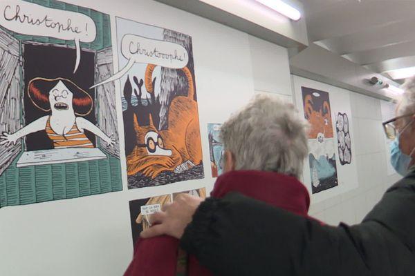Sur les murs de la gare Toulouse-Matabiau, la bande dessinée «Gousse & Gigot» d'Anne Simon, publié par la maison d'édition et association toulousaine Misma, s'offre aux regards des voyageurs.