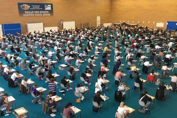 En raison du coronavirus, les étudiants Rémois en PACES (Première Année Commune aux Études de Santé) planchent sur leurs épreuves du 22 au 25 juin dans des conditions particulières.