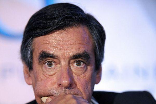 François Fillon sur ses premières terre électorales à Rouez dans la Sarthe