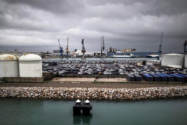 Sète (Hérault) - le port de commerce - archives