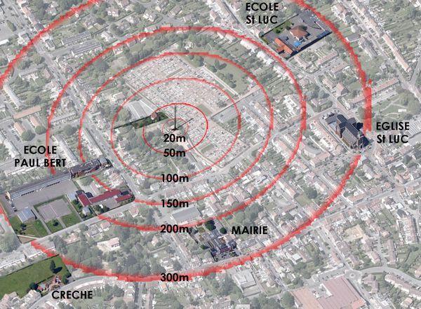 Montage d'une vue aérienne, fabriqué par le collectif anti-antenne