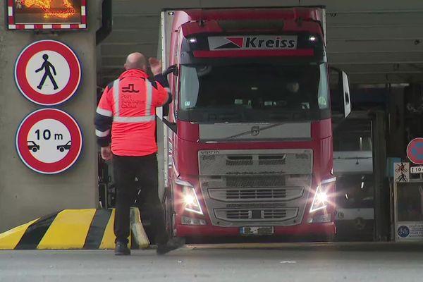 Les camions à l'arrivée à Calais après le Brexit.