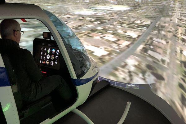 Un simulateur à  destination du grand public pour faire découvrir le monde de l'aéronautique.