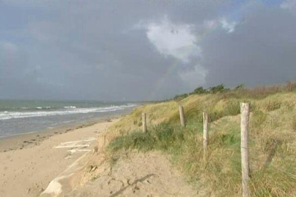 La côte a reculé de 5 à 10 mètres sur près de 800 mètres de littoral.