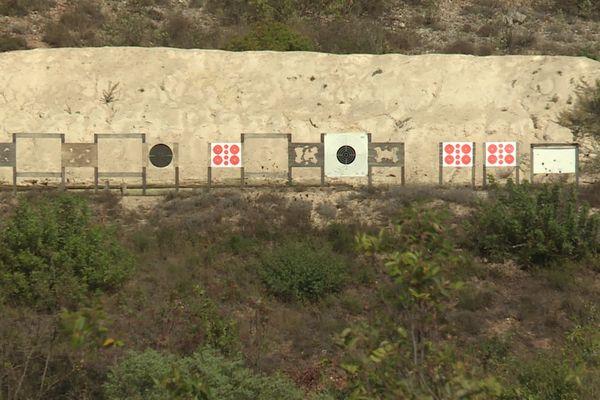 Ce club de tir est situé sur un terrain de la Lare entre Peillon et la Trinité qui appartient à la ville de Nice.