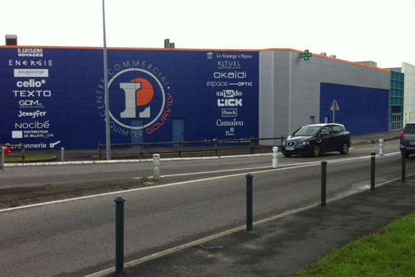 Hypermarché Leclerc, zone de Gourvily, à Quimper