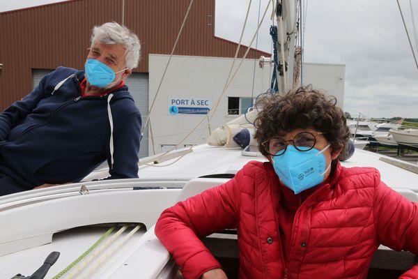 Jean-Luc van den Heede et Odile préparent le voilier à un voyage en toute liberté