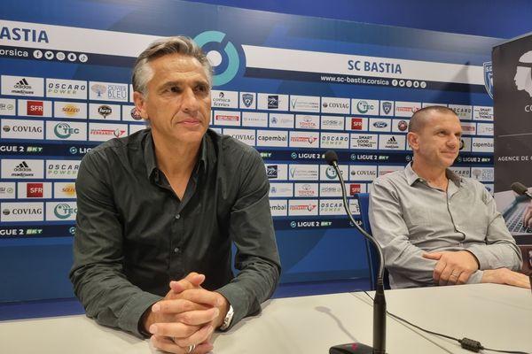 Régis Brouard, au côté du président du Sporting, Claude Ferrandi