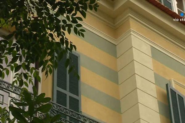 A Ajaccio, la façade d'un Cottage du Second empire.