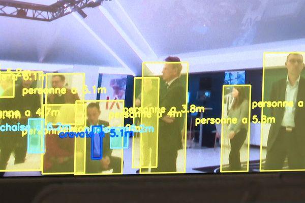 Démonstration de flux de personnes au salon de l'Intelligence artificielle à Sophia-Antipolis.