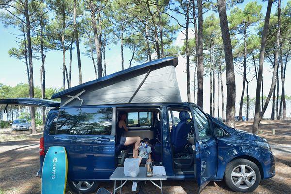 """Le van aménagé sera-t-il la nouvelle tendance de nos vacances """"déconfinées""""... et à moins de 100kms?"""
