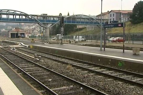 La SNCF engage 48 millions d'euros pour sécuriser et rénover 36 kilomètres de cette voie ferrée datant du 19ème siècle, l'une des plus anciennes de la région.