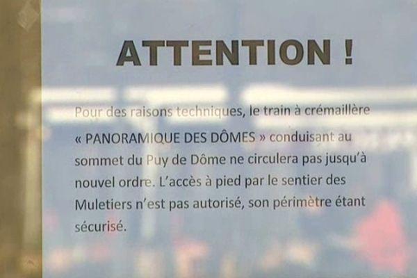 Les déboires du train panoramique des Dômes, stoppé par une succession d'incidents techniques, déçoivent les touristes venus profiter de leurs vacances de Toussaint dans le Puy-de-Dôme.