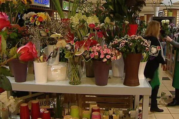 Les fleurs invendues provenant de boutiques peuvent servir à l'embellissement des édifices religieux
