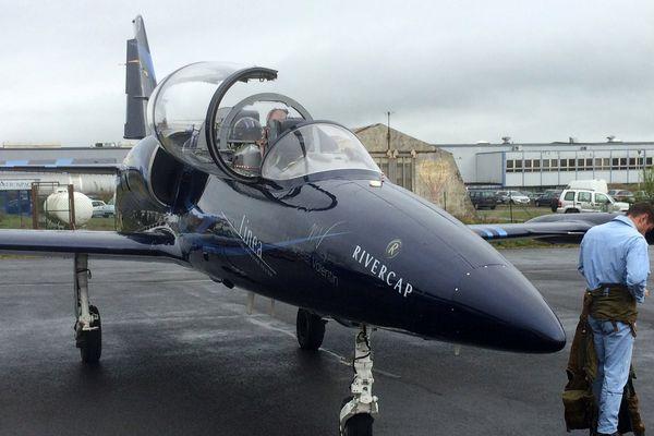 Un des trois L-39 Albatros qui ont permis aux dessinateurs et scénaristes de voler dans la Marne.