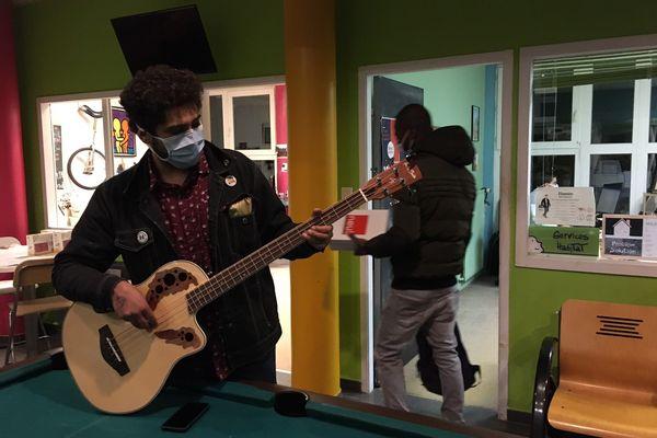 Gonzalo, musicien à ses heures.