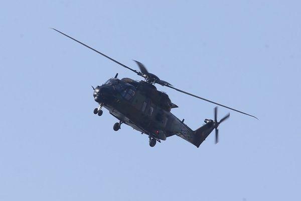 L'hélicoptère Caïman Marine de la Marine nationale a été engagé lors d'une opération de recherche lancée samedi 15 août par le CROSS Jobourg