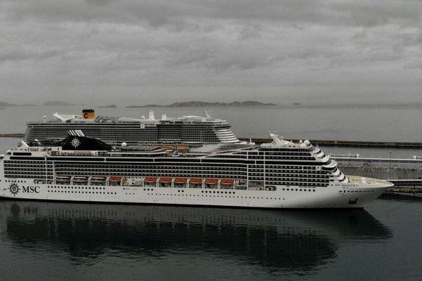 Les passagers du navire Magnifica ont commencé à débarquer lundi à Marseille après un tour du monde écourté.