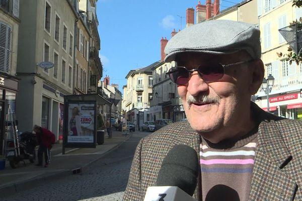 A Nevers comme ailleurs, il est recommandé aux personnes âgées de rester à la maison en raison de l'épidémie de coronavirus qui touche le monde entier.