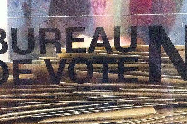 Les dimanches 22 et 29 mars 2015 , les Français sont appelés à élire leurs conseillers départementaux. Un scrutin qui comporte de nombreuses nouveautés par rapport aux anciennes élections cantonales.
