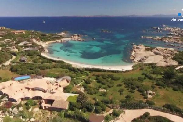 """La Collectivité de Corse a décidé d'exercer son droit de préemption sur une parcelle de 3,3ha de l'île de Cavallu, dite l'""""île des milliardaires"""", à Bonifacio. La mesure a été adoptée jeudi par l'Assemblée de Corse."""